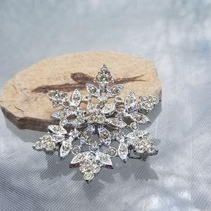 Vintage Sarah Coventry Snowflake Swarovski Brooch